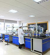 设施齐备的研发实验室